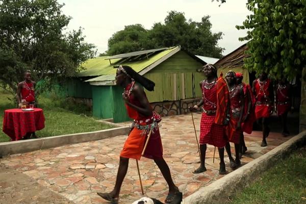 The-Maasai-Mara-Safaris-KenyaMAN WALKING