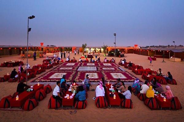 dinner-in-desert