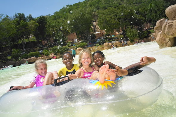 sun-city-valley-waves-kids