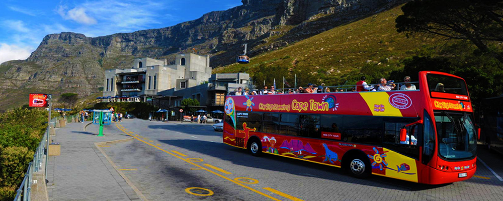 Red bus to Table Mountain