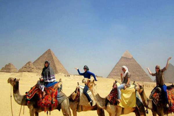 private-half-day-trip-to-giza-pyramids-with-camel-riding-in-cairo