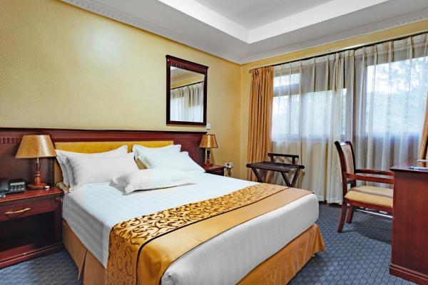 Onomo Hotel standard room